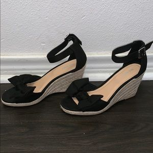 👡Woman's Old Navy black bow wedges!👡